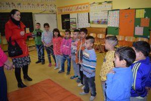 Deti v škole sa chvíľu ostýchali, ale potom si schuti zarecitovali